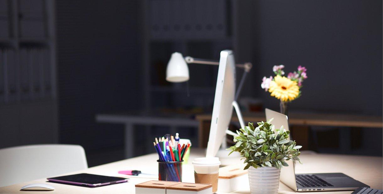 ideesign+ donker kantoor